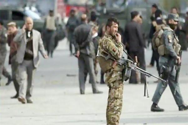 افغانستان کے فوجی اڈے پر طالبان نے کیا حملہ ۔ 100 سے زیادہ سکیورٹی اہلکاروں کی موت