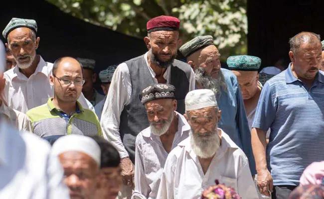 چین نے ژنجیانگ میں سینکڑوں امامو ں کو بنایا یرغمال، کوئی جنازہ پڑھانے والا نہیں،اس لئے مرنے سے ڈرنے