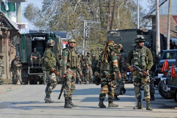 جموں کشمیر:شوپیاں انکاؤنٹر میں دودہشت گرد ہلاک، تلاشی مہم جاری