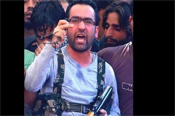 جموں کشمیر:سکیورٹی فورسز کے ہاتھ لگی بڑی کامیابی، موسٹ وانٹیڈدہشت گرد ریاض نائیکو سمیت 3دہشت گرد ہلاک