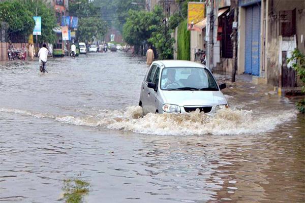 پاکستان میں بارش کی وجہ سے تین دن میں 64 افراد کی موت