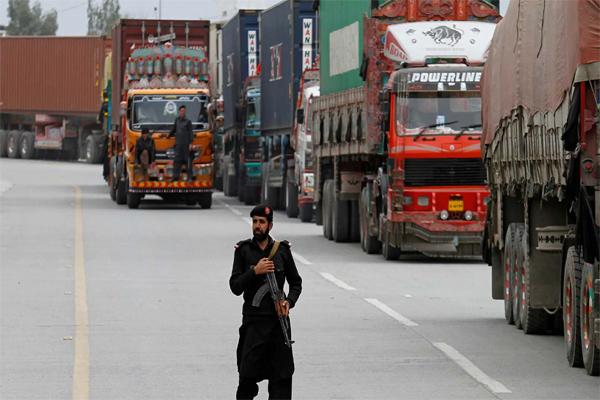 پاکستان اور افغانستان کے درمیان تجارت دوبارہ شروع